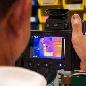 kalibracja kamer termowizyjnych 300x300 - Kalibracja kamer termowizyjnych